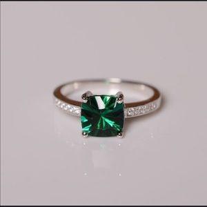 Emerald & diamond gem silver ring -fashion jewelry